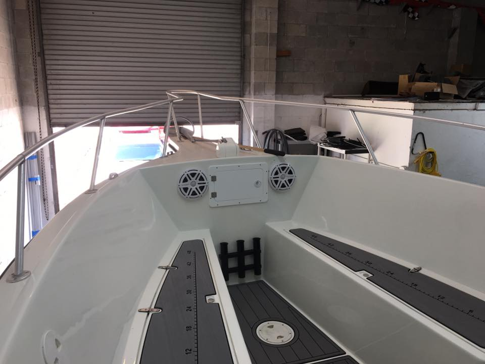 JL Audio Marine Stereo System And Custom Fabrication
