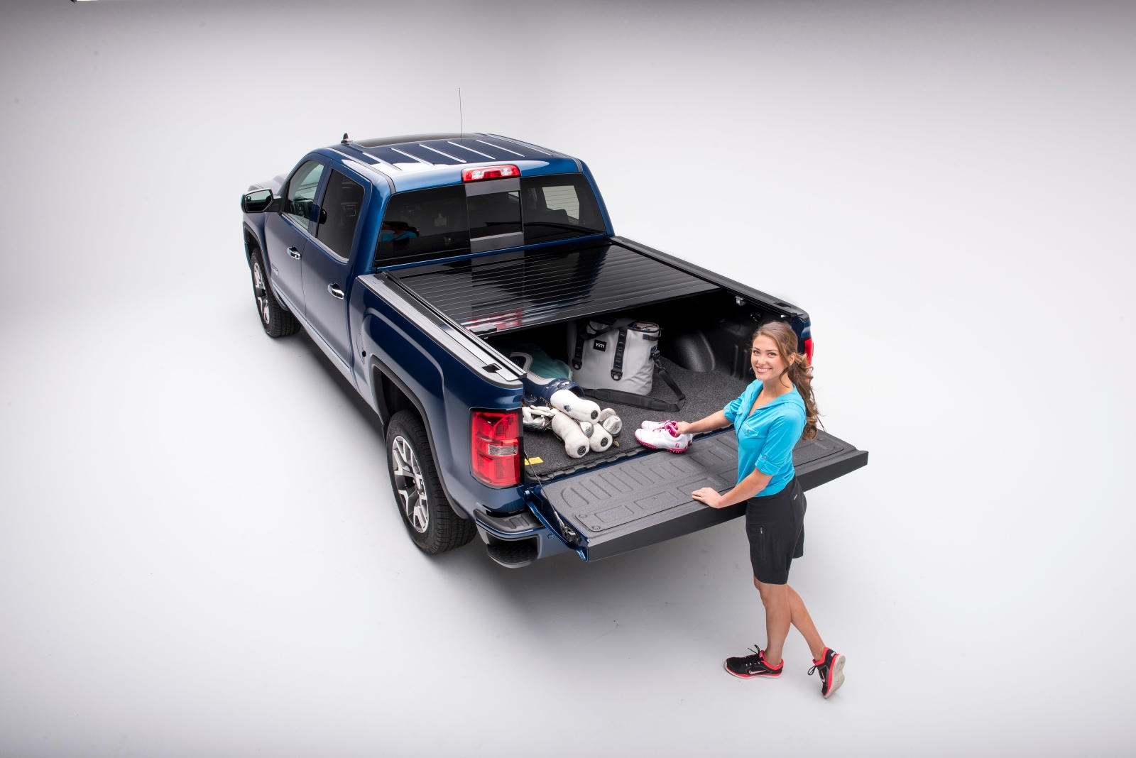 Retrax Pro aluminum retractable pickup truck bed cover sales and installation in Melbourne by Explicit Customs